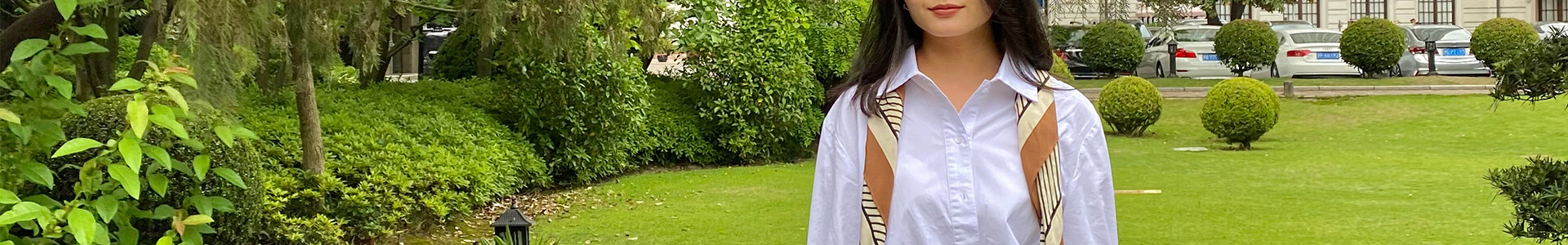 バッチリ冷房&UV対策!爽やかな白シャツでオシャレに初夏コーデを更新♪
